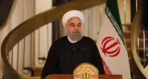 Teherán, 2017. október 13. Az iráni elnök sajtóhivatala által közreadott képen Haszan Róháni iráni államfő élõ televíziós adásban nyilatkozik az iráni atomalkuról 2017. október 13-án. Ezen a napon Donald Trump amerikai elnök bejelentette, hogy Teherán nem tesz eleget a nemzetközi megállapodásban foglalt kötelezettségeinek. (MTI/EPA/Iráni elnök sajtóhivatala)