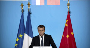 Hszian, 2018. január 8. Emmanuel Macron francia államfő beszédet mond a Daming-palotában, Senhszi kínai tartomány székhelyén, Hszianban 2018. január 8-án. (MTI/AP/Mark Schiefelbein)