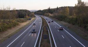 highway-2909336_960_720