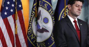 Washington, 2018. február 9. Paul Ryan, az amerikai képviselõház republikánus párti elnöke sajtótájékoztatón vesz részt a törvényhozás washingtoni épületében, a Capitoliumban 2018. február 8-án, miután a felsõházban, a szenátusban felfüggesztették a kormányzat mûködéséhez szükséges kétéves költségvetés elfogadásáról folyó vitát, ezért február 9-én átmenetileg ismét leállnak a nem alapvetõ fontosságú kormányzati hivatalok. (MTI/AP/Jacquelyn Martin)