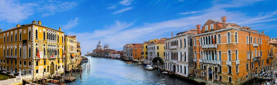 Jövő nyártól már csak fizetőkapukon engednek be Velencébe